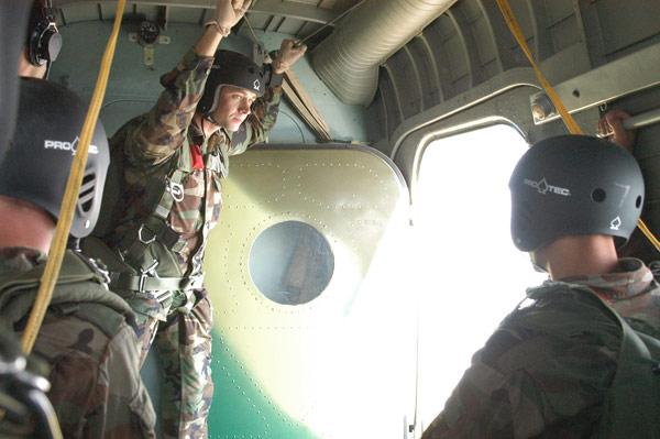 Forces armées moldaves - Page 2 79708610