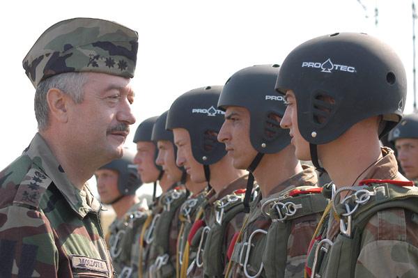 Forces armées moldaves - Page 2 88619510