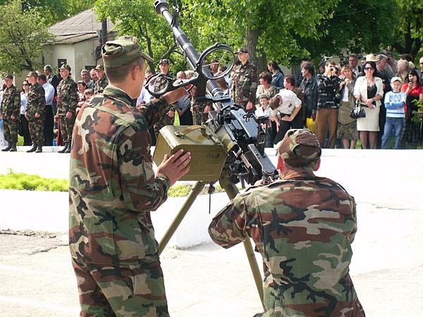 Forces armées moldaves - Page 2 Z10-2715