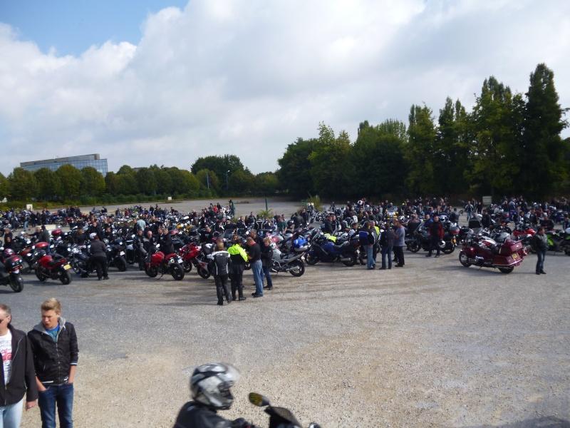 """Rassemblement des motards samedi 22 février 2012 à 14 heures """" parc des expositions à Reims """" contre le projet du contrôle technique sur les motos. Venez nombreux montrer votre hostilité... 01710"""