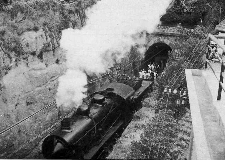 Trains blindés italiens Ta252015