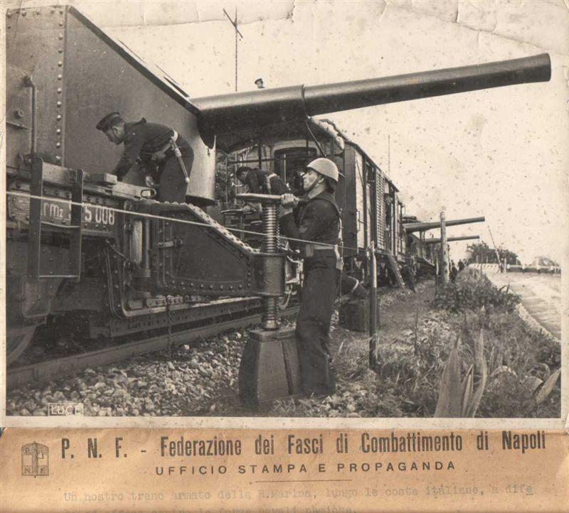 Trains blindés italiens Train210