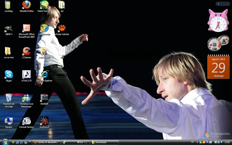 lets post pics of our desktop Guolpe10