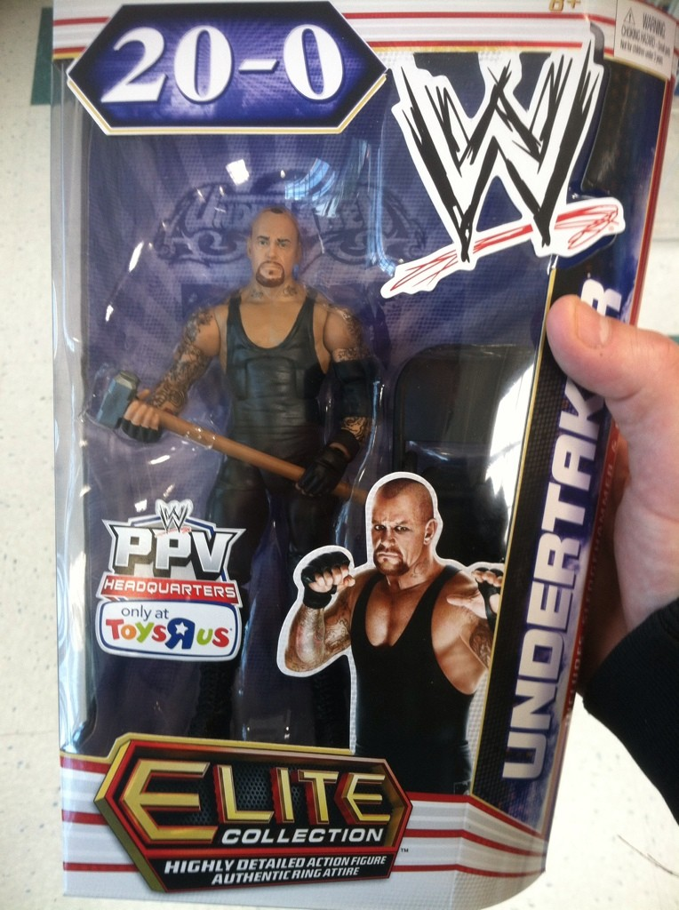 Toys'Rus Wrestlemania 28 Undertaker Exclusive figure 39aba610