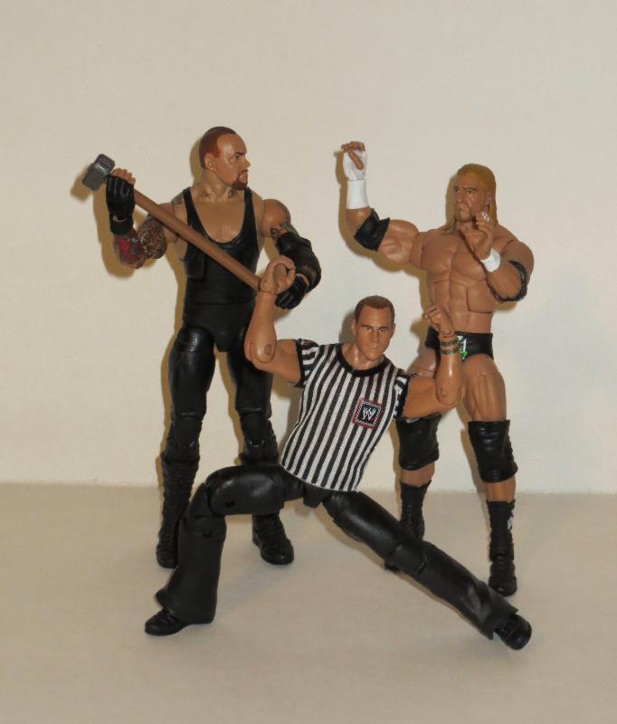 Toys'Rus Wrestlemania 28 Undertaker Exclusive figure Wm10