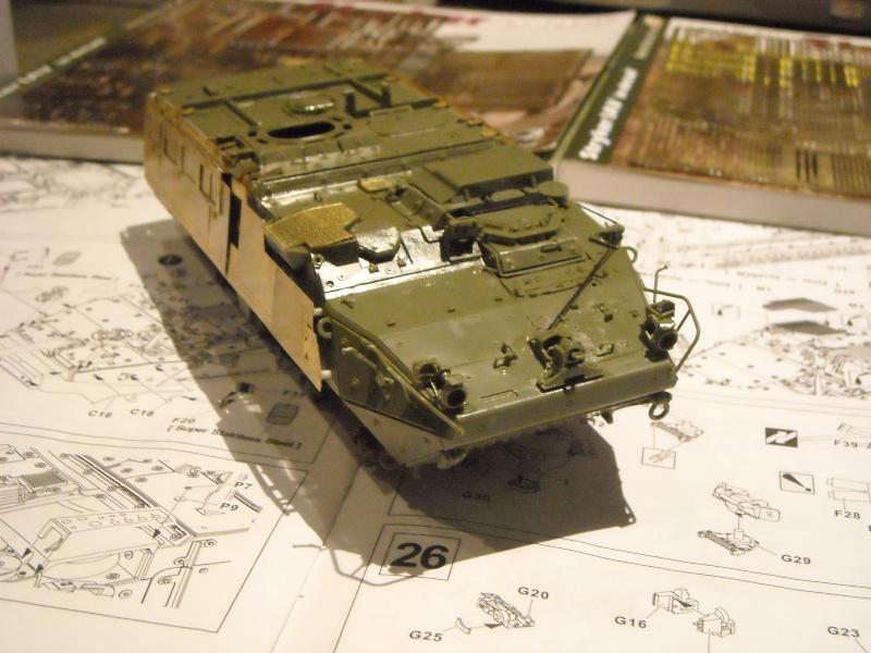 M 1130 Stryker slat armor 1/35 ( de A a Z). Dscn1421