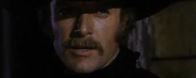 Une trainée de poudre... les pistoleros arrivent ! Una nuvola di polvere... un grido di morte... arriva Sartana de Giuliano Carnimeo, 1971 Une_tr12