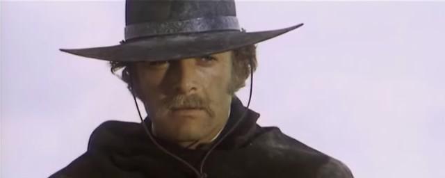 Une trainée de poudre... les pistoleros arrivent ! Una nuvola di polvere... un grido di morte... arriva Sartana de Giuliano Carnimeo, 1971 Une_tr13