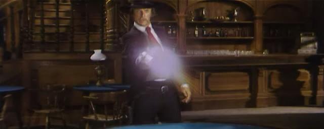 Une trainée de poudre... les pistoleros arrivent ! Una nuvola di polvere... un grido di morte... arriva Sartana de Giuliano Carnimeo, 1971 Une_tr15