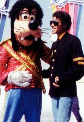 Michael e la Disney Kjljkl10