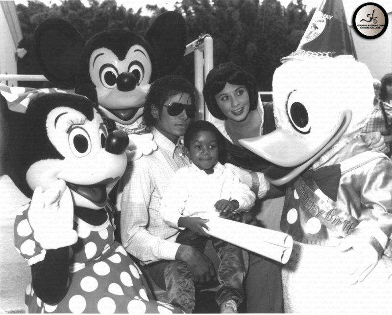 Michael e la Disney Weqw3q10