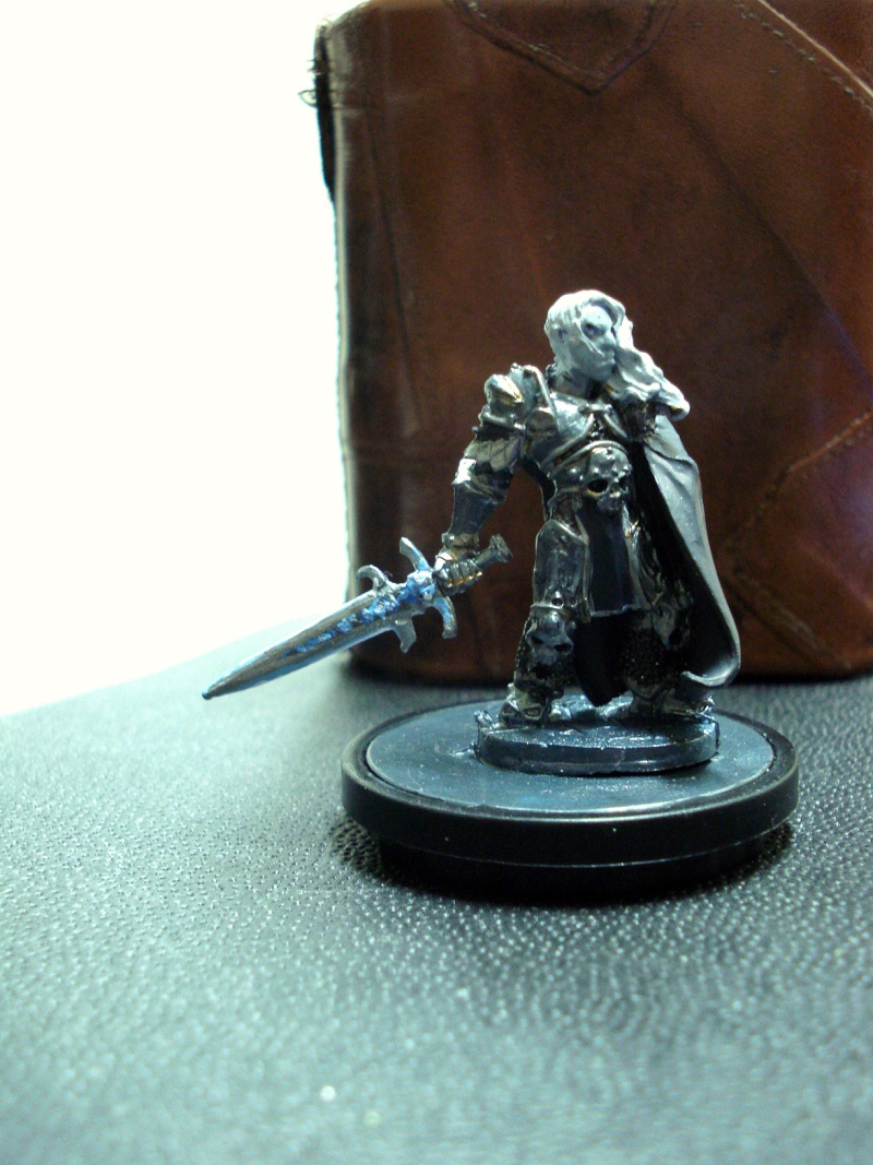 customize minis 1 - death knights approach Dsc01711