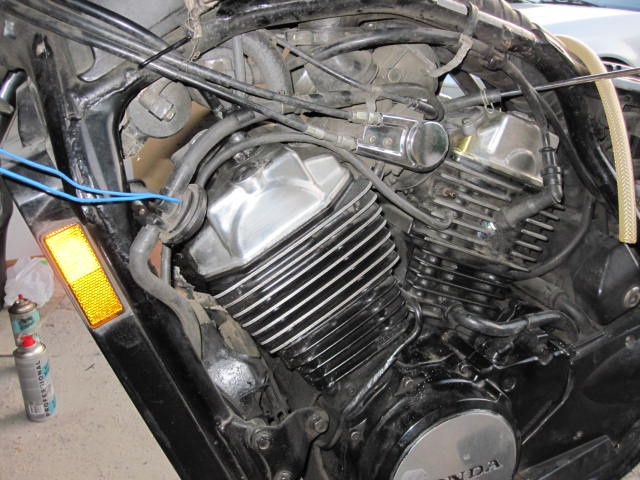 VT500C USA : système de dépollution ? Photo_21