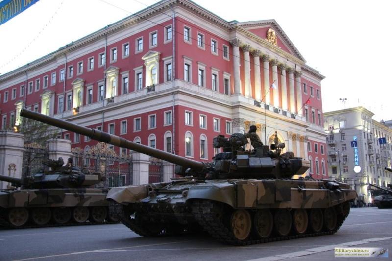 Photos de l'armée russe - Page 2 Milita10