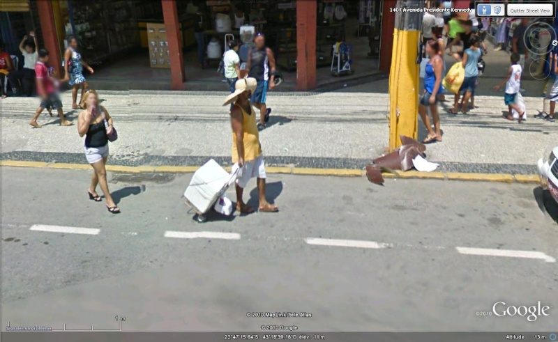 STREET VIEW: T'as le look coco(tte) Chapo10