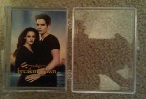 [Breaking Dawn] Premium trading card by NECA - Page 2 T2ec1613