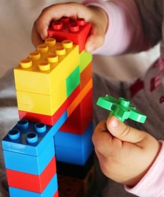 Kostenfreies Kinderkonto + Lego-Bausteine Helene11