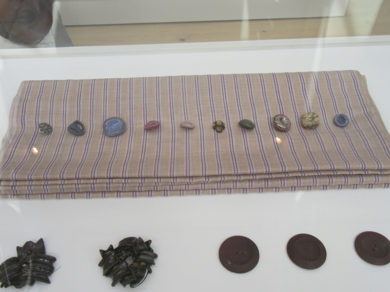 LUCIE RIE BUTTONS. A fascinating wartime part of her work. Img_8421