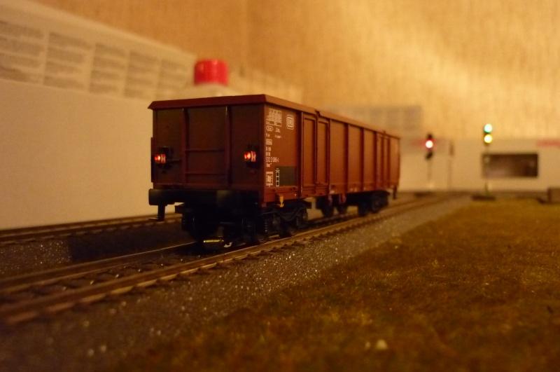 Coffret 00767 - Wagons avec feux de fin de convoi P1020419