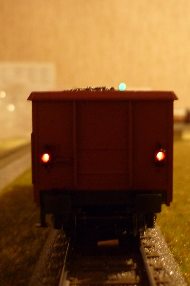 Coffret 00767 - Wagons avec feux de fin de convoi P1020420