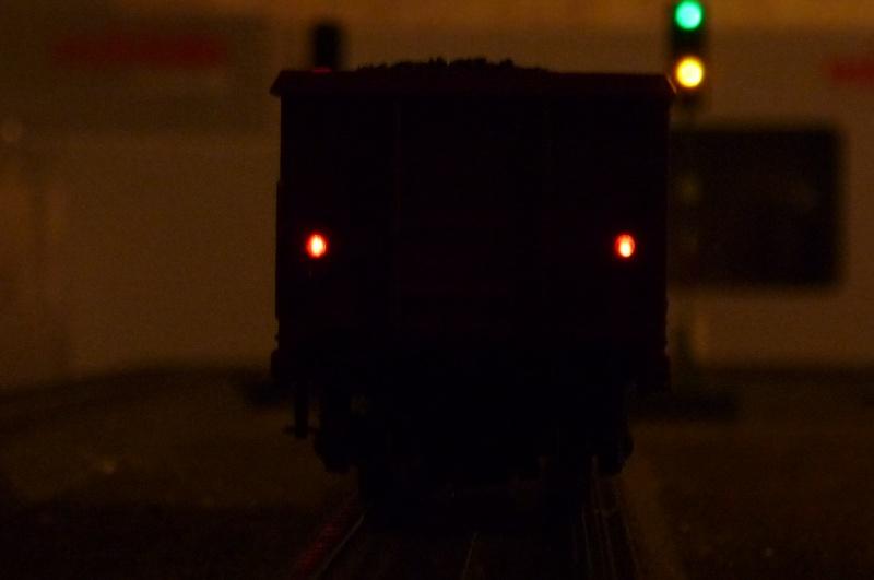 Coffret 00767 - Wagons avec feux de fin de convoi P1020421