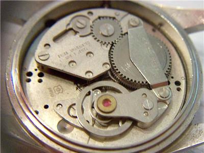 Breitling - Pour faire identifier son mouvement : C'est ici  ! - Page 3 Lu211