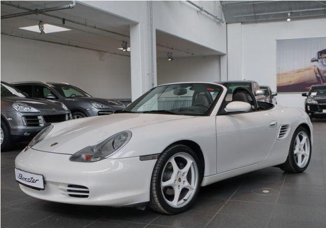 Futur porschiste a besoin de vos avis sur un Boxster 2004 en Porsche Zentrum Boxste13