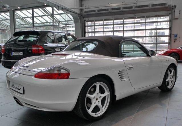 Futur porschiste a besoin de vos avis sur un Boxster 2004 en Porsche Zentrum Boxste14