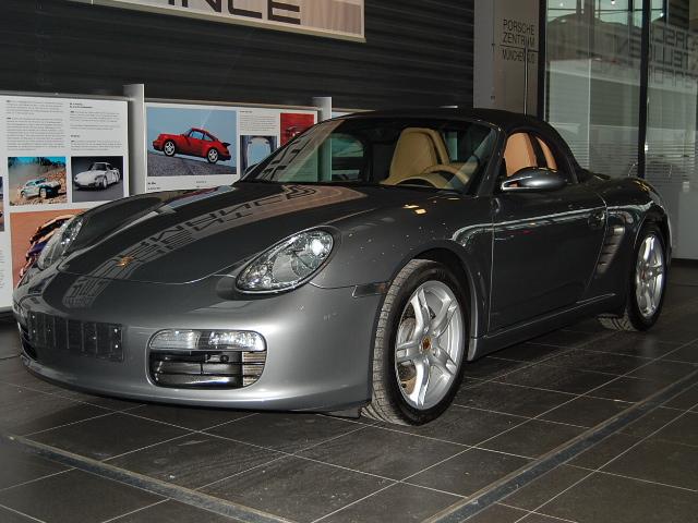 Futur porschiste a besoin de vos avis sur un Boxster 2004 en Porsche Zentrum Boxste16