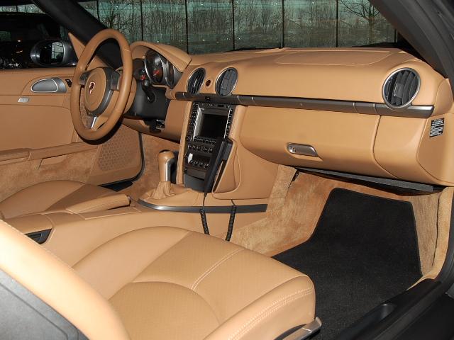 Futur porschiste a besoin de vos avis sur un Boxster 2004 en Porsche Zentrum Boxste18