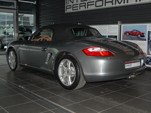 Futur porschiste a besoin de vos avis sur un Boxster 2004 en Porsche Zentrum Boxste19