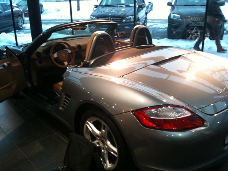 Futur porschiste a besoin de vos avis sur un Boxster 2004 en Porsche Zentrum Img_1311