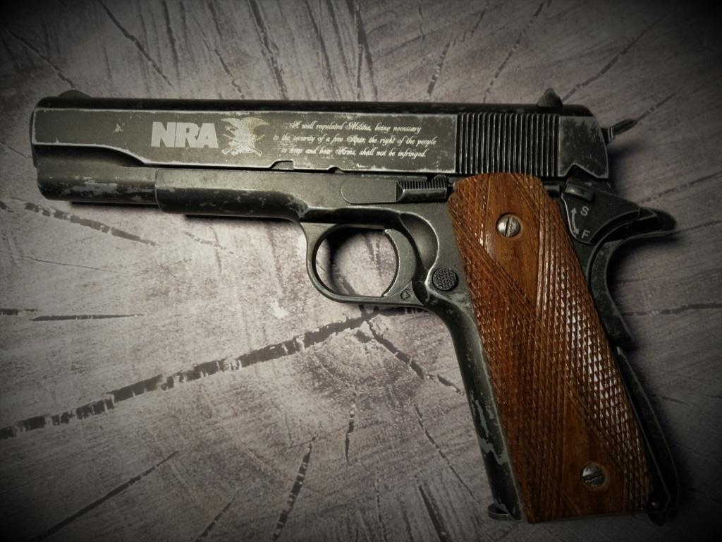 Colt 1911 plaquette bois Img_2016
