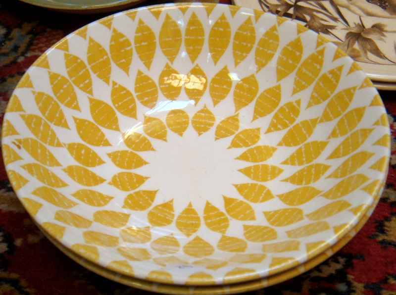 Beautiful bright yellow petals bowl ~ is Sunrise Gold d343 Dsc02423