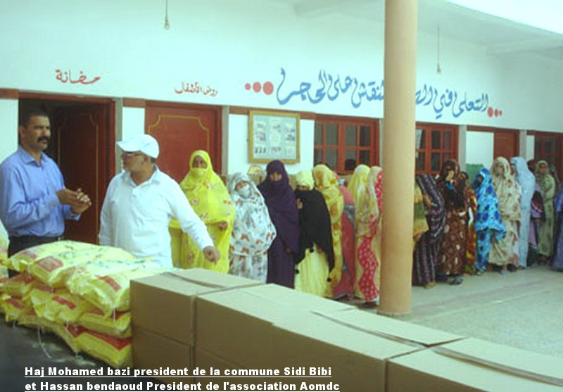 Distribution d'aide alimentaire au familles necessiteuses Ouled Mimoune Med_ba10
