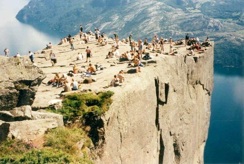 Скалы и Море Norway11