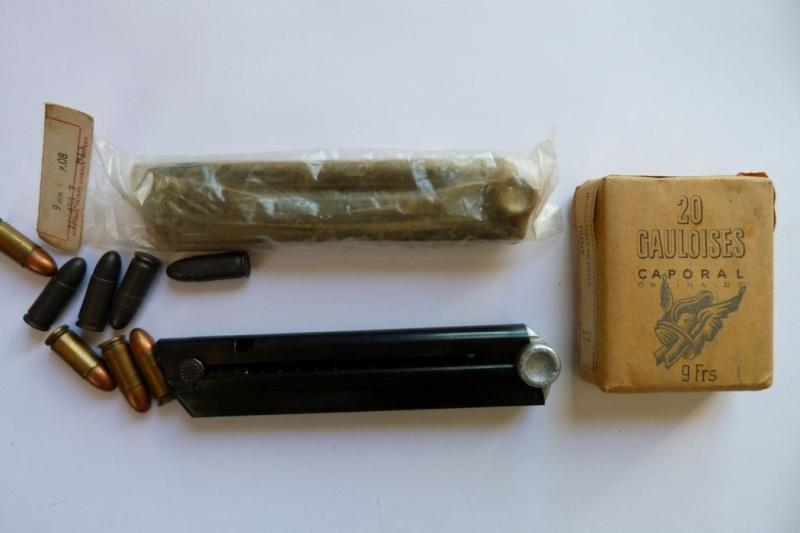 Les étuis et accessoires des pistolets Luger produits par Mauser en 1945-1946. 00711