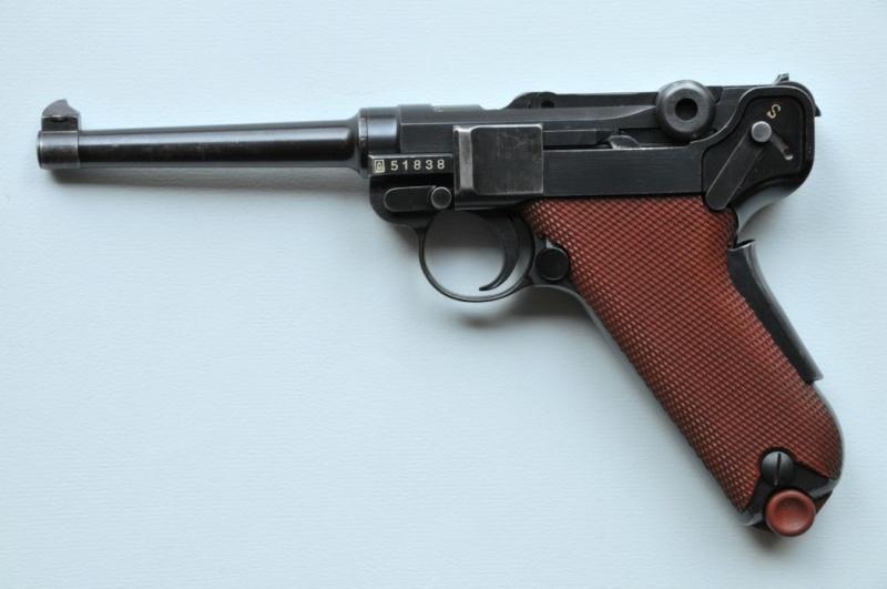 Les Luger suisses, modèles 1906 produits par la Waffen Fabrick à Berne. Wb_19210