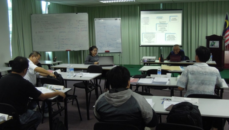 SAFETY AND HEALTH OFFICER CERTIFICATE PROGRAMME (PART TIME) 22.09 - 09.12.2012, KOTA KINABALU SABAH 150