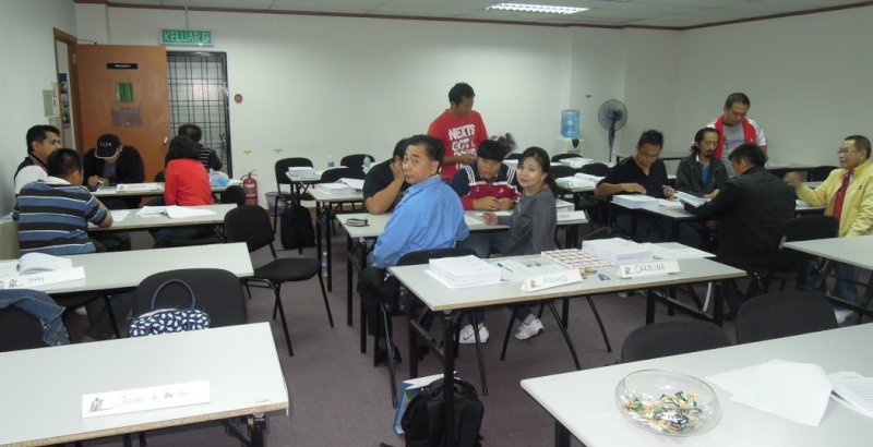 SAFETY AND HEALTH OFFICER CERTIFICATE PROGRAMME (PART TIME) 22.09 - 09.12.2012, KOTA KINABALU SABAH 321