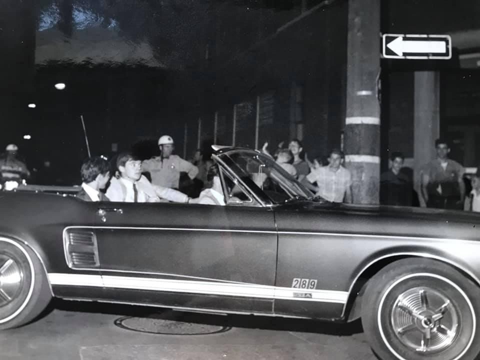 Vieille photo qui inclus des Mustang 65-73  - Page 6 10385010