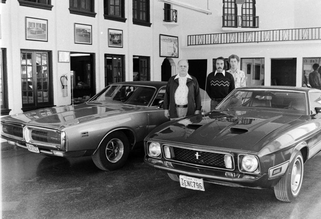 Vieille photo qui inclus des Mustang 65-73  - Page 6 10400010