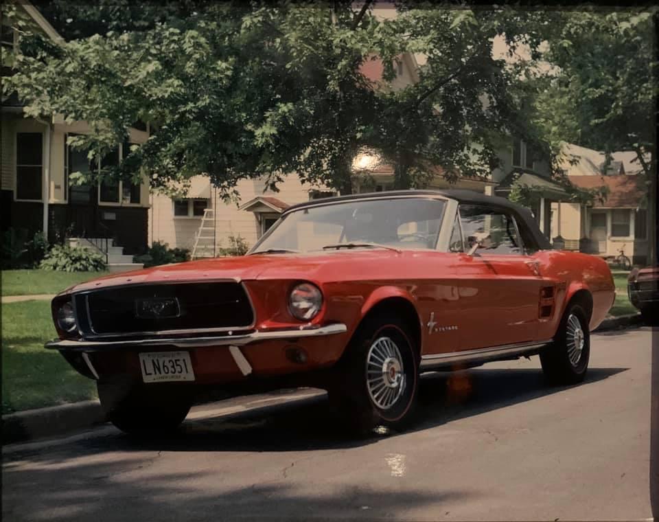 Vieille photo qui inclus des Mustang 65-73  - Page 6 10441510