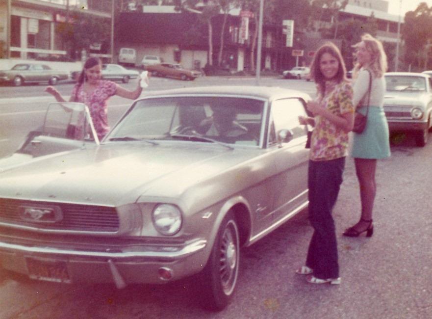 Vieille photo qui inclus des Mustang 65-73  - Page 6 10947710