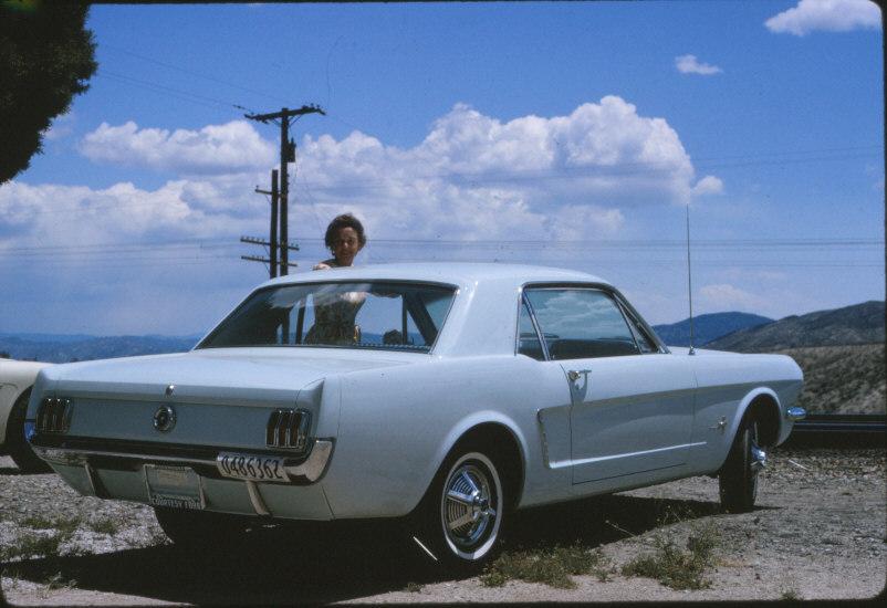 Vieille photo qui inclus des Mustang 65-73  - Page 6 11746710