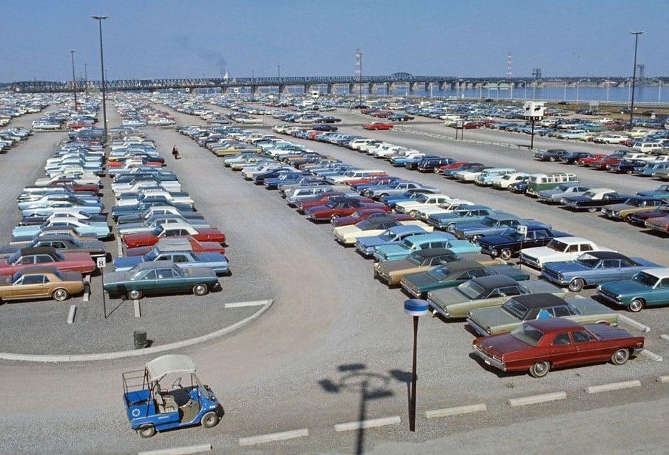 Vieille photo qui inclus des Mustang 65-73  - Page 6 12088110