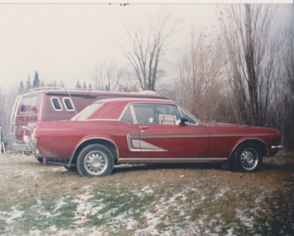 Vieille photo qui inclus des Mustang 65-73  - Page 7 12181910