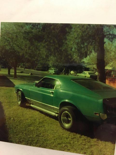 Vieille photo qui inclus des Mustang 65-73  - Page 7 13149410