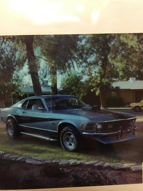 Vieille photo qui inclus des Mustang 65-73  - Page 7 13164710