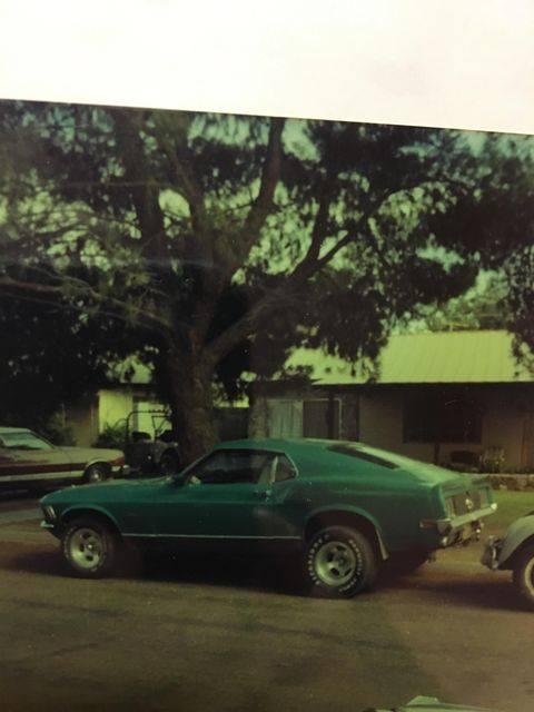 Vieille photo qui inclus des Mustang 65-73  - Page 7 13197710